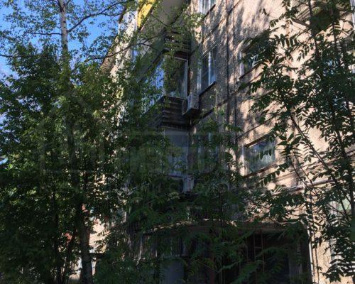продам 2-х комн квартиру близко к центру