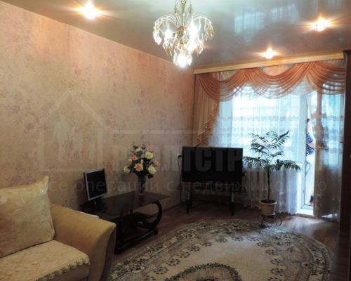 Продам 2-х комнатную на ДОСах