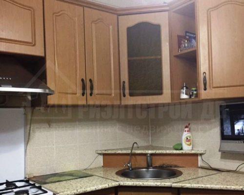 продам 4-х комнатную квартиру близко к центру