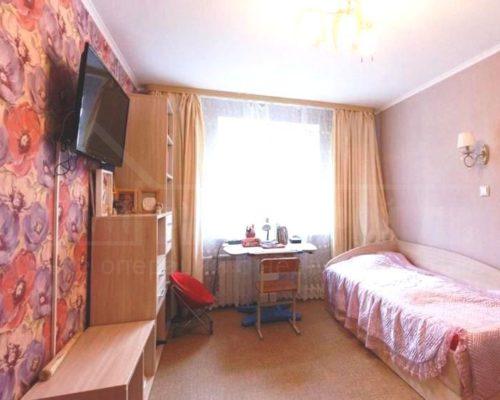 продам 2-х комнатную квартиру близко к центру (Степная)